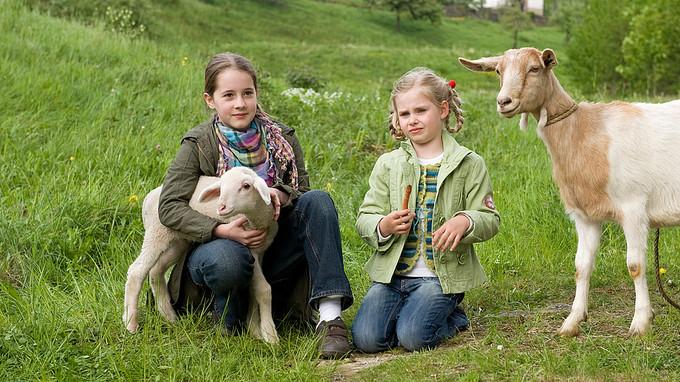 Greta und ihre kleine Schwester Lilie